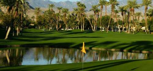 A view of green with water coming into play (courtesy of Desert Horizons Country Club)