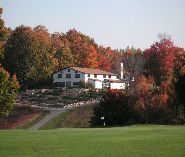 A view of the clubhouse at Grandview Golf Club