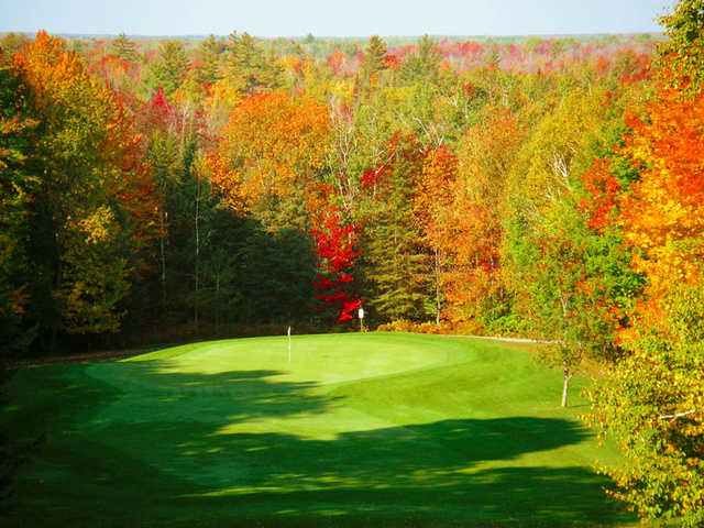 A fall view of green at Grandview Golf Club