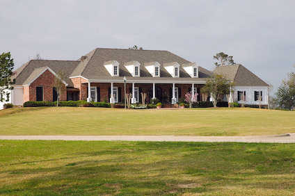 A view of the clubhouse at Gray Plantation