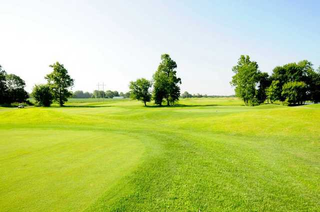 A view of tee #10 at Southern Dunes Golf Course