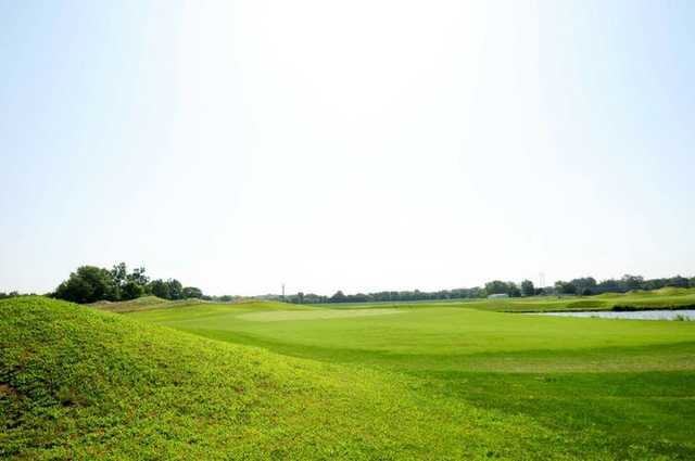 A view of the 18th green at Southern Dunes Golf Course