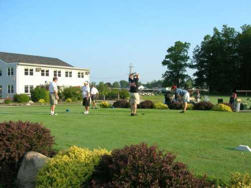 A view of the clubhouse at Hickory Grove Golf Course