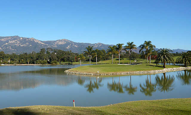 A view of the island green #13 at La Cumbre Country Club