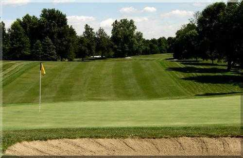 View of the 15th green at Hillcrest Golf & Country Club