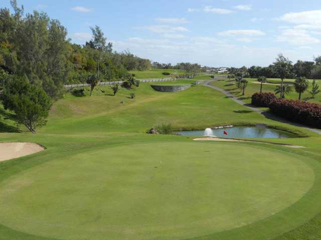 A view of the 9th green at Ocean View Golf Club