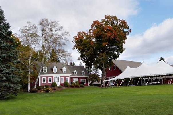 Waukewan Golf Club: A view of the clubhouse