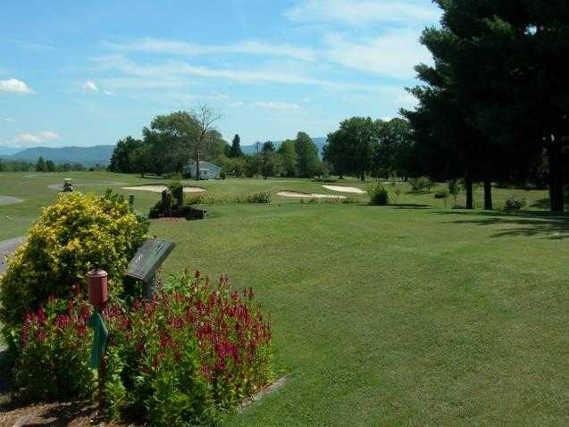 A view of green #8 at Baneberry Golf & Resort