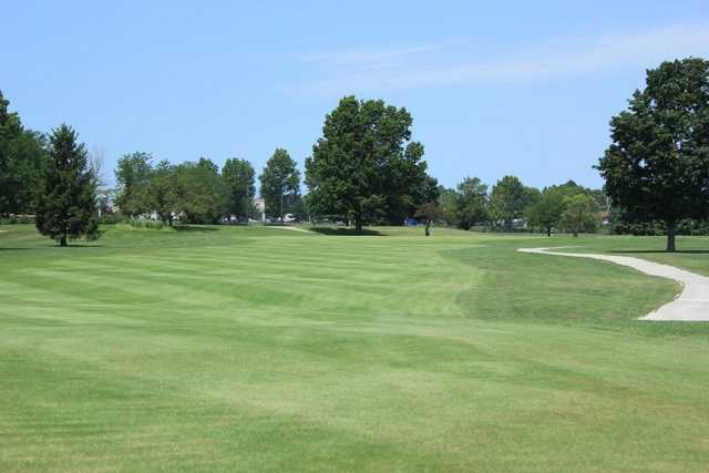 A view of hole #18 at Minor Park Golf Course