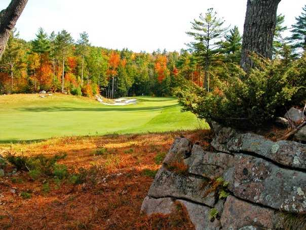 A view of green #8 at Lake Winnipesaukee Golf Club