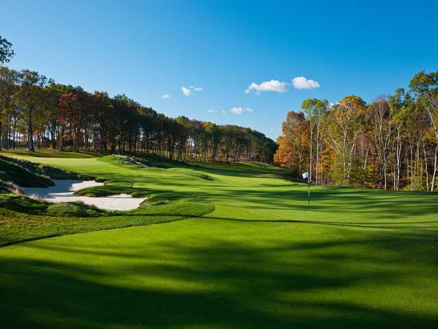 A sunny day view from Mohegan Sun Golf Club
