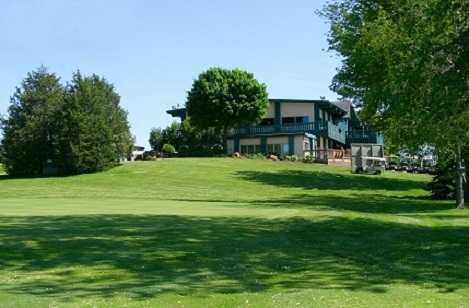 A view of the clubhouse at Beaver Dam Country Club