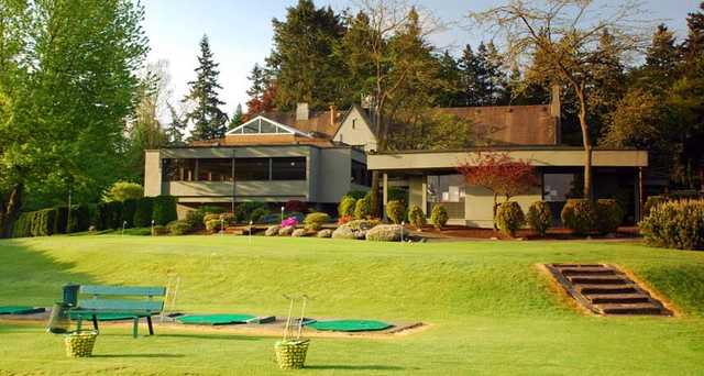 A view of the clubhouse at Glen Acres Golf & Country Club.