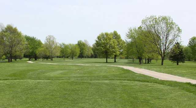A view from tee with narrow path on the right at Shamrock Hills Golf Course