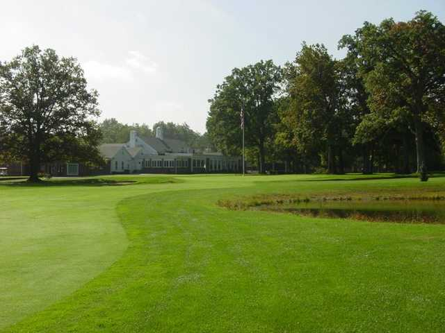 A view of the 18th green and clubhouse in background at Anderson Country Club