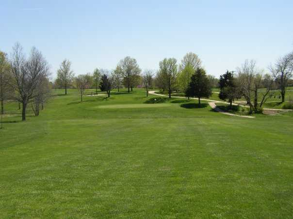 A view of green at L A Nickell Golf Course