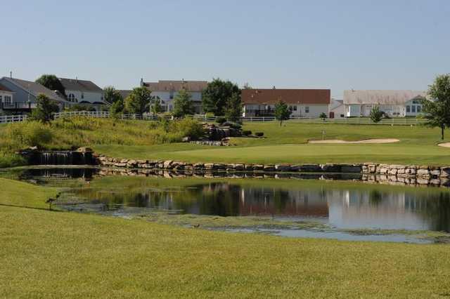 A view of green #14 at Falls Golf Club