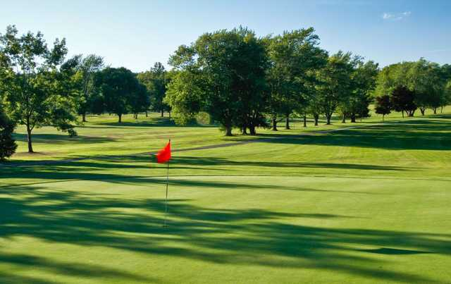 A sunny view of green at Skyland Golf Course (Nick Lorenzoni)