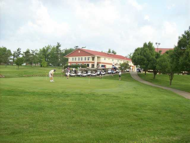 A view of the practice putting green at Bright Leaf Golf Resort