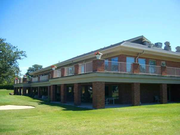 A view of the clubhouse at Willow Bend Country Club