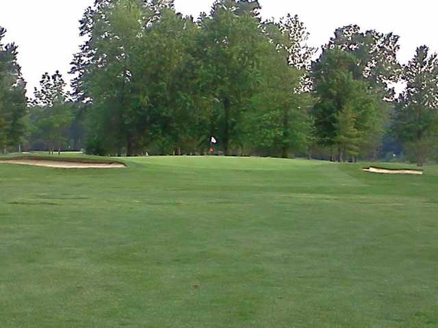 A view of the 2nd green at Hilliard Lakes Golf Club