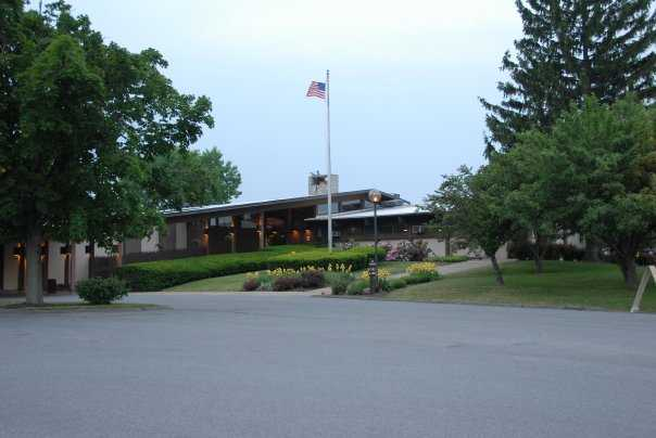 A view of the clubhouse at Mountain View Country Club