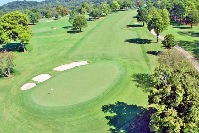 Aerial view of green protected by bunkers at Hillwood Country Club