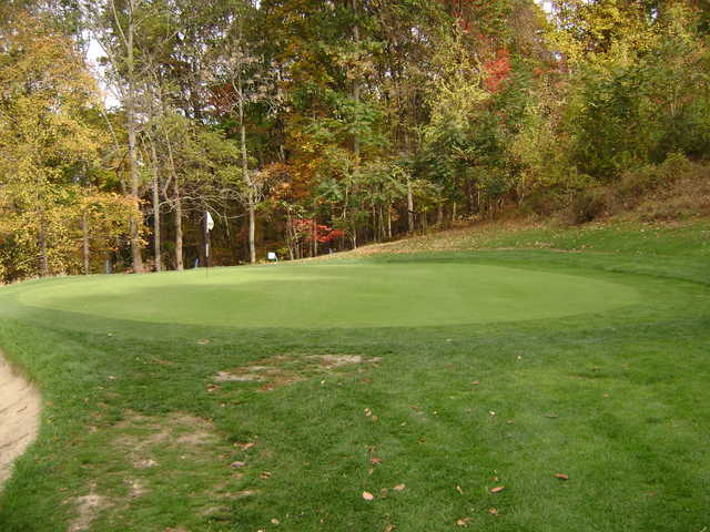 A fall view of green #14 at Minebrook Golf Club