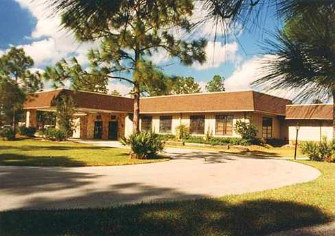 A view of the clubhouse at Indianwood Golf & Country Club