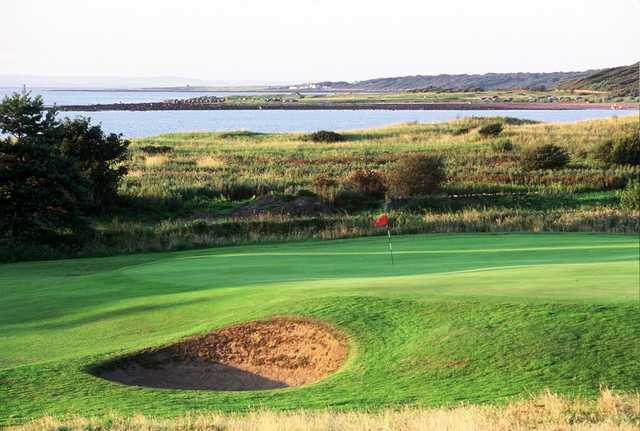 Longniddry GC - 14th green (Courtesy Golf East Lothian)