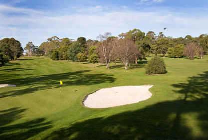 A view of the 5th green at Kingston Beach Golf Club