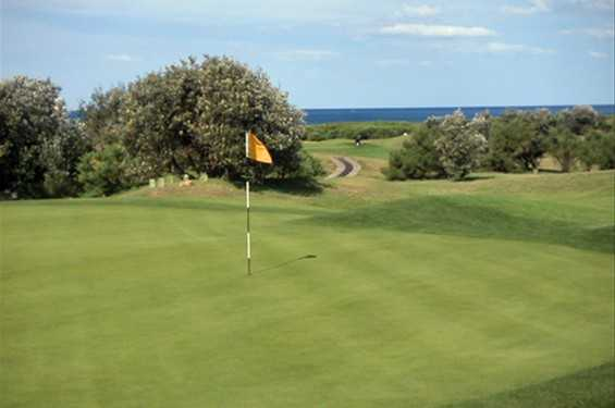 A view of the 3rd green at Long Reef Golf Club
