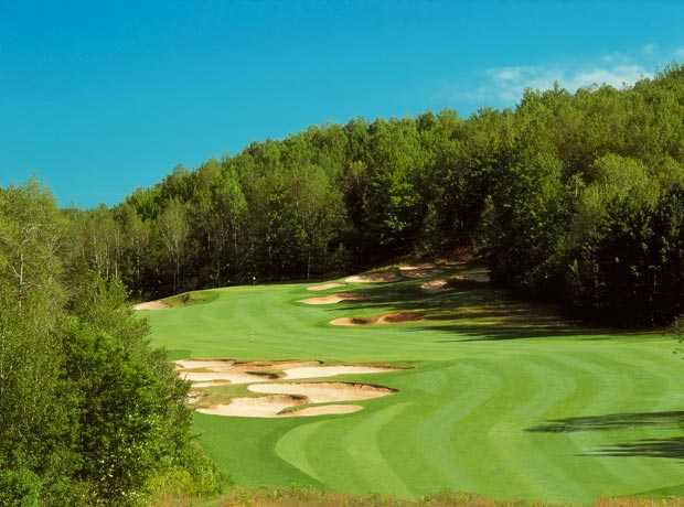 With plenty of difficult bunkers and confounding greens, Tom Doak's Black Forest golf course at Wilderness Valley tests patience as well as skill.