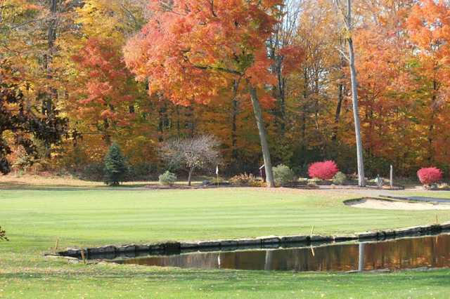 A fall view of green at Pines Golf Club
