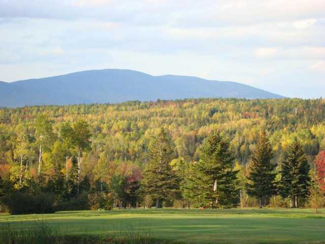 A view of the 4th green at Evergreen Golf Club