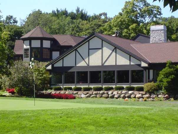 A view of the clubhouse at Nakoma Golf Club