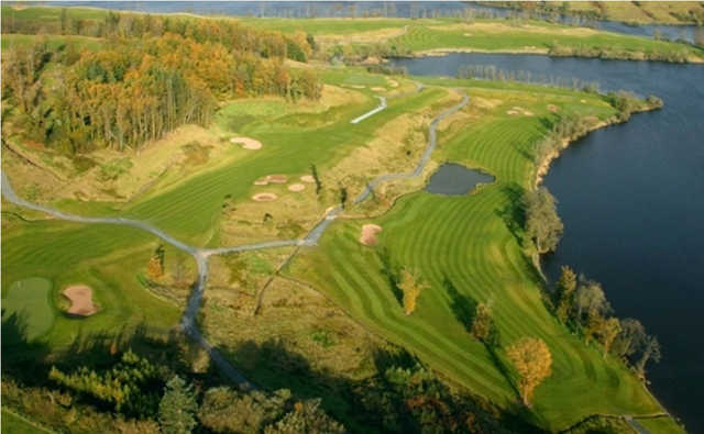 Aerial view of the 13th hole at Concra Wood Golf & Country Club