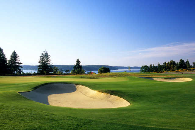 A view of the 2nd green protected by bunkers at Home Course.