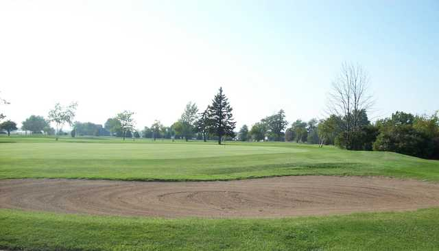 A view of the 6th green at Lilac Golf Course