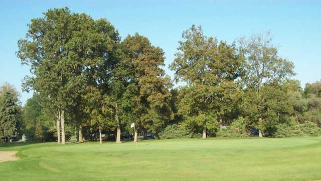 A view of the 9th  hole at Lilac Golf Course