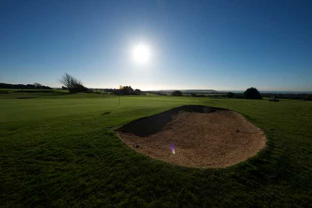 A sunny view of green at Kelso Golf Club