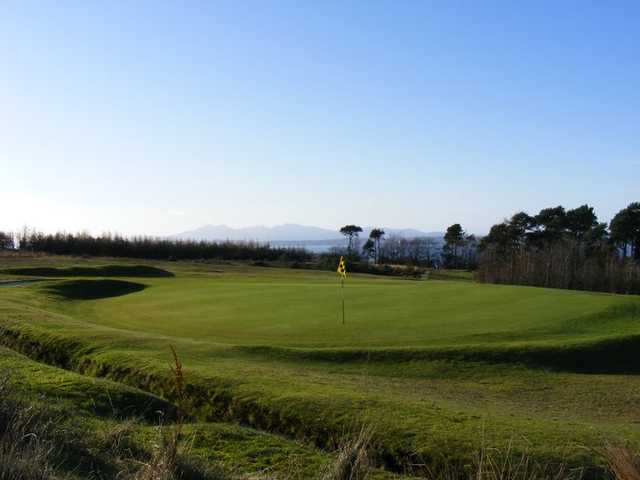 A view of the 8th green at Skelmorlie Golf Club