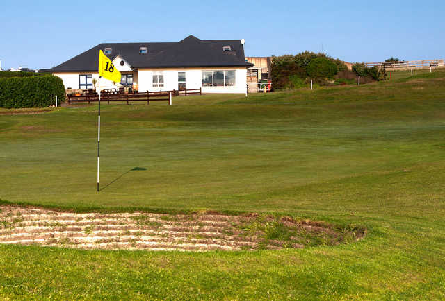A view of the 18th green at Dunfanaghy Golf Club