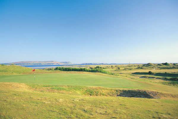 A view of the 18th green at Ashburnham Golf Club