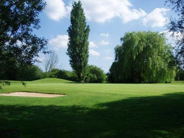 A view of the 8th green at Cambridge Meridian Golf Club