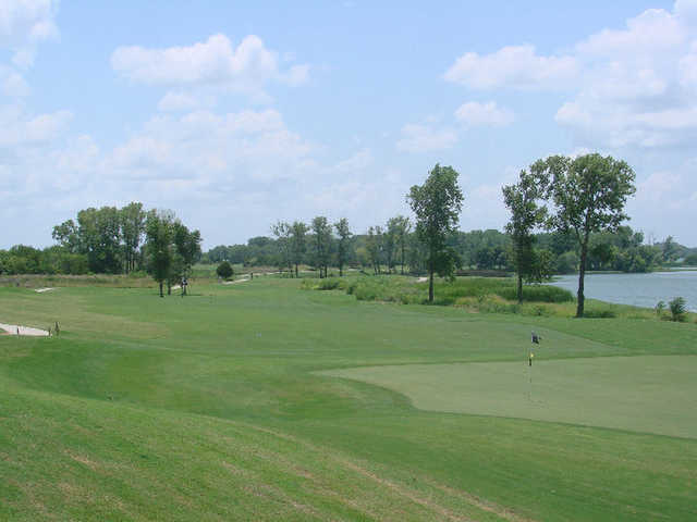 A view of green #8 at Cleburne Golf Links.