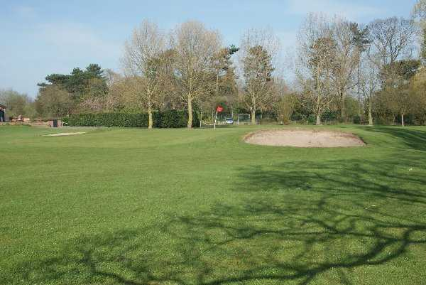 A view of the 9th green at Queens Park Golf Club