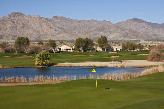 Mojave Resort: 16th green