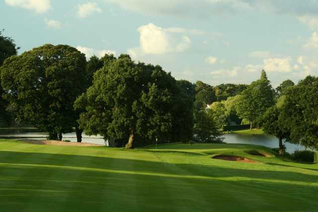 A view of the 18th green at Mere Golf Resort & Spa
