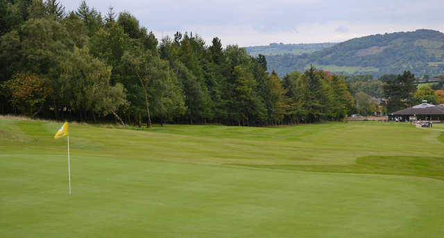 A view of green #1 at Matlock Golf Club.